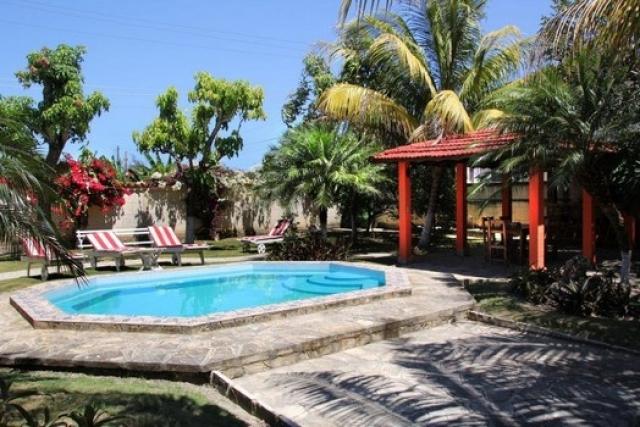 Casa carlos piscina guanabo cuba guanabo la habana for Casas en alquiler en la playa con piscina