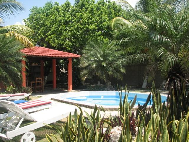 Casas particulares playa la habana playa del este casa for Casas con piscina en cuba